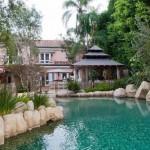 Fite de vedeta de ultima ora – santuri cu apa in jurul casei – IMAGINI