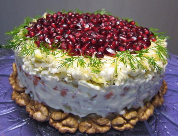 1- salata gustoasa pentru Craciun si Revelion Scufita Rosie