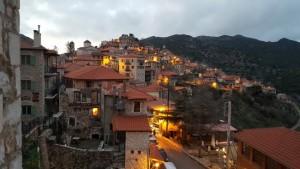 1-satul de munte Dimitsana Grecia pe inserat