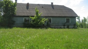 1-scoala veche si abandonata inainte de a fi transformata in casa
