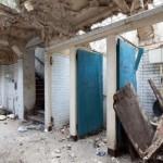 1-separeuri toaleta baie publica veche abandonata Londra