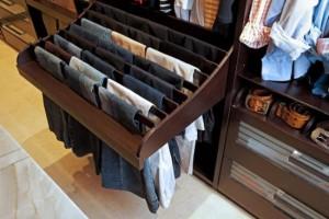 1-sistem bare retractabile organizare perechi pantaloni din dressing