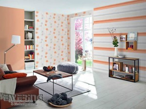 1-tapet decorativ cu dungi orizontale asortat cu tapet cu imprimeu floral
