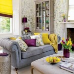 1-tapet imprimeu floral living modern decorat in gri violet si galben
