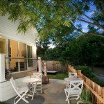 1-terasa si curte casa frumoasa din lemn 90 mp