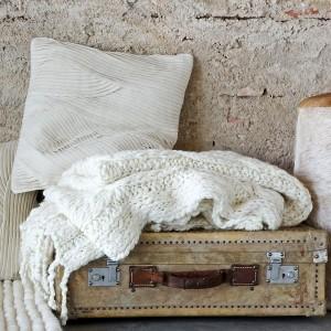 1-textile crem calduroase utile in amenajarea unei locuinte pe timp de iarna