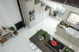 1-vedere din mansarda apartament spre bucatarie