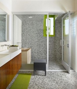 10-accente vernil decor baie moderna finisata cu mozaic gri