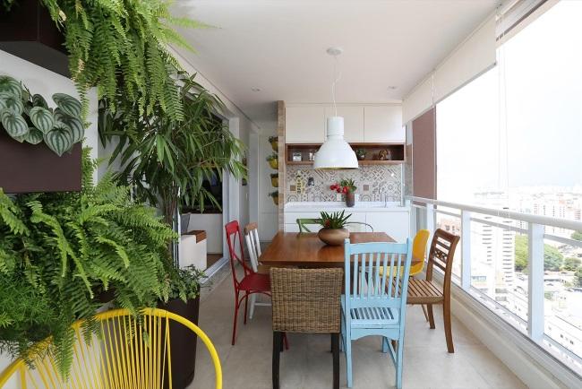 amenajare bucatarie mare balcon bloc