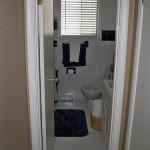 10-baie mare casa inainte de renovare si redecorare