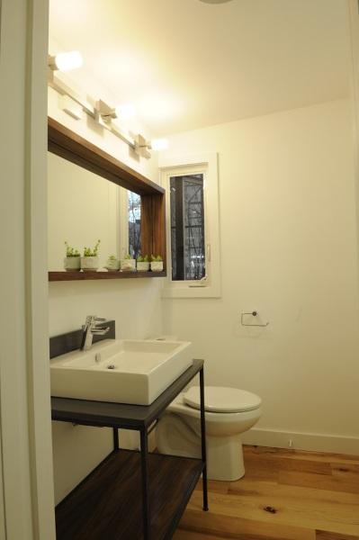 10-baie moderna casa mica doar parter 44 mp