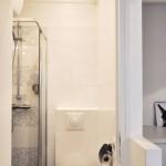 10-baie moderna minimalista duplex 19 mp dupa renovare