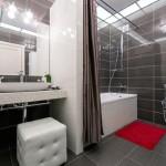 10-baie moderna ordonata si curata