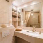 10-baie stil clasic amenajata cu gresie si faianta nuante pastel