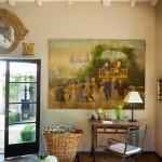 10-birou antique aflat langa usa de intrare in casa veche restaurata Spania