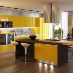 10-bucatarie moderna cu mobila galbena si pereti gri