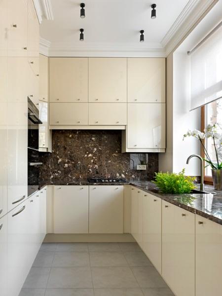 10-bucatarie moderna minimalista placata cu piatra naturala
