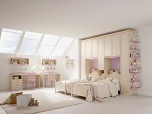 10-camera pentru doi copii amenajata in mansarda