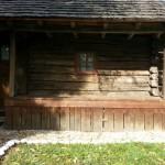 10 casa mica la tara din busteni
