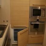 10-combina frigorifica integrata in mobila pozitionata gresit langa cuptorul din bucatarie
