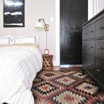 10-covor-taranesc-traditional-colorat-in-amenajarea-unui-dormitor-modern-cu-accente-rustice