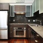 10-design modern bucatarie wenge si argintiu mobila pe colt