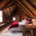 10-dormitor mare rustic mansarda cabana din lemn de 92 mp