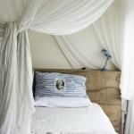 10-dormitor romantic cu baldachin din voal alb