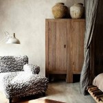 10-dulap vechi din lemn integrat in decor living modern