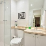 10-idee amenajare baie mica apartament cu cabina dus