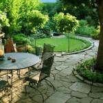10-idei amenajare loc de luat masa si ronduri verzi curte mica