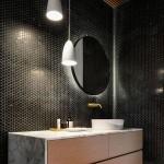 10-iluminat-ascuns-in-spatele-oglinzii-rotunde-din-baie