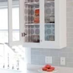 10-interior dulap de bucatarie finisat cu tapet decorativ