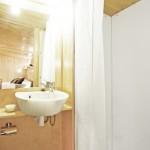 10-lavoar si cabina dus baie casa mica prefabricata vivood