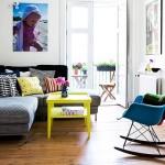 10-living modern cu accente colorate albastre galbene si violet