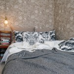 10-lustra tip pendul suspendata in laterala patului din dormitor