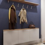 10-mobilier minimalist alb suspendat pe peretele din hol