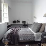 10-model dormitor mic si intim fara dulap amenajat in alb si gri