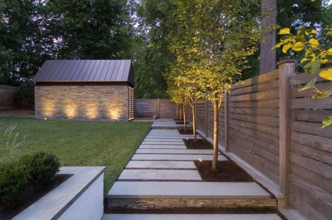 10-model gard din lemn din scanduri orizontale imprejmuire curte moderna