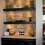 10-nisa perete decorata cu piatra naturala si polite