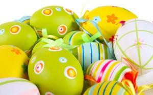 10-oua de paste vopsite in culorile primaverii