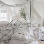 10-pat din fier forjat cu baldachin alb vaporos