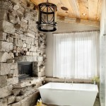 10-perete din blocuri de piatra naturala in amenajarea unei bai rustice moderne