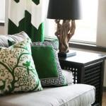 10-pernute decorative culoare verde pe canapea gri decor living eclectic