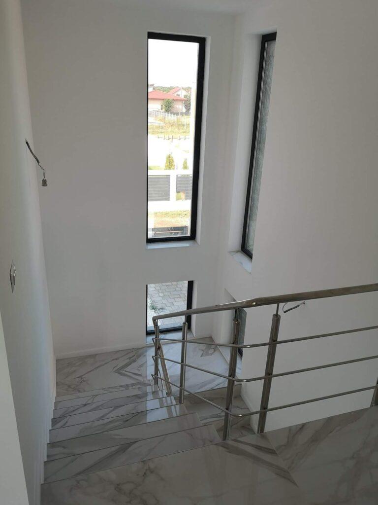 scara interioara placata marmura casa lux FIM Spring Residence PH