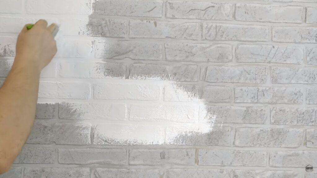 vopsire caramida aparenta cu vopsea lavabila alba