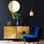 11-accesorii si mic mobilier auriu in amenajarea unui interior in nuante de albastru