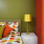 11-asortare pereti olive dormitor cu textile portocalii si galbene