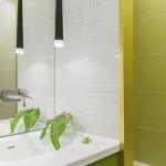 11-baie moderna amenajata si finisata in alb si verde crud