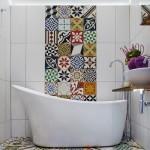 11-baie moderna decorata cu faianta tip patchwork